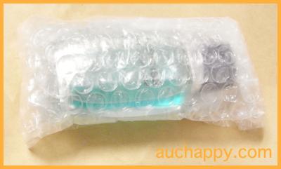 香水をプチプチで包んで梱包